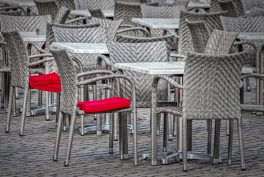 Regulile ce se aplică de la 1 iunie pentru clienții teraselor și plajelor